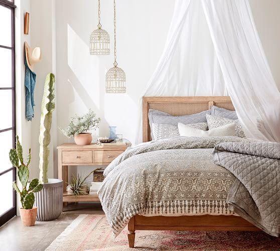 Inspirasi : Kamar Tidur dengan Furnitur Kayu