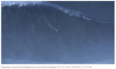 Onda gigante surfada pelo brasileiro Rodrigo Koxa