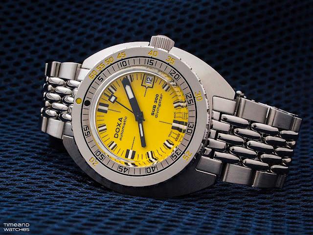 DOXA SUB 300 COSC Yellow Divingstar