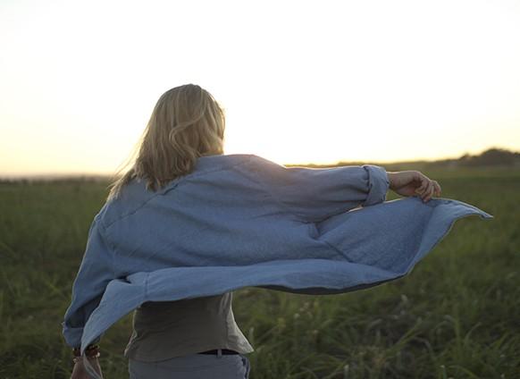 عندما يعيدك ماضيك إلى الوراء: إليك 3 خطوات نفسية للتحرر