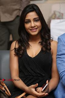 Telugu Actress Kamna Singh Stills in Black Dress at Bharat Thakur Art Exhibition Launch  0103.jpg