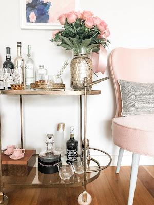 bar cart gold and pink decor carrinho de chá carrinho bar dourado e rosa