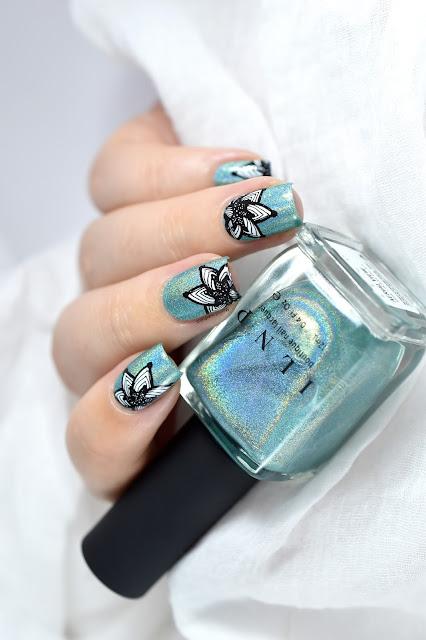 nail art fleurs et dentelle clear jelly stamper