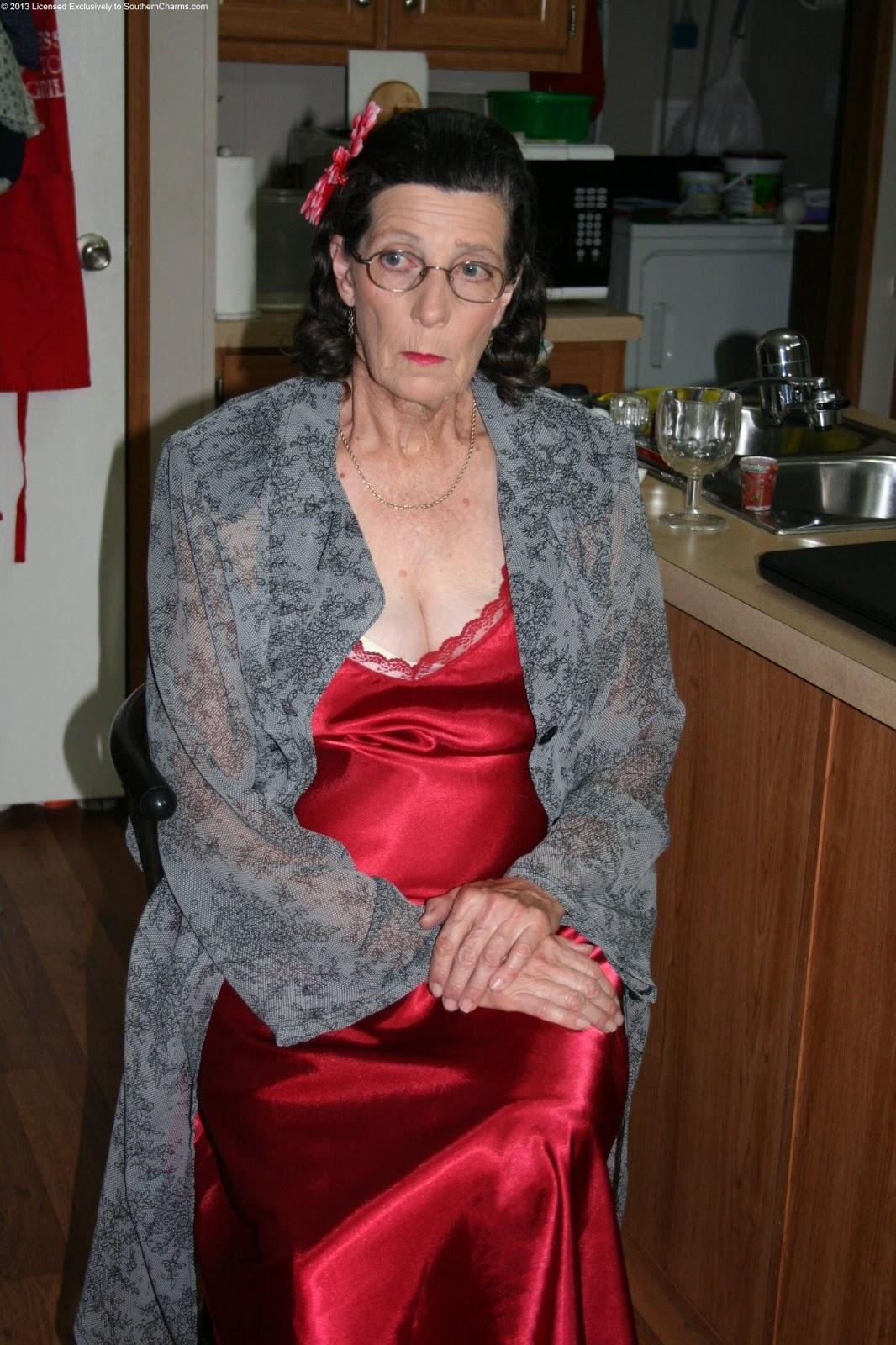 Granny ia a webcam r20 - 1 8