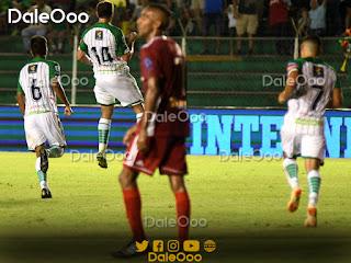 Mauricio Sperduti celebra su gol en el partido que Oriente Petrolero venció a Royal Pari 1-3 - DaleOoo