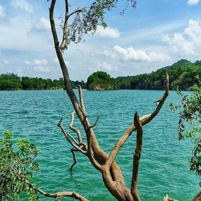 Blue Lake in Mitrapur