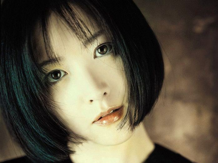 Model Rambut Poni Lurus Pendek Ala Lee Young Ae