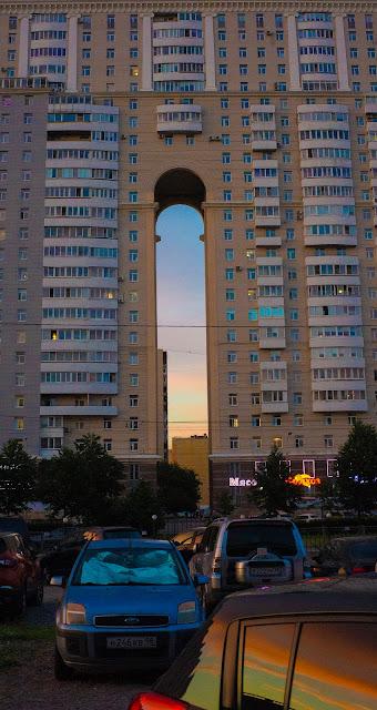 Арка район архитектура мудреная Питер СПб Старая деревня