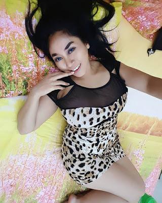 paha mulus dan cantik Model Sarah Ardhelia Ferreti