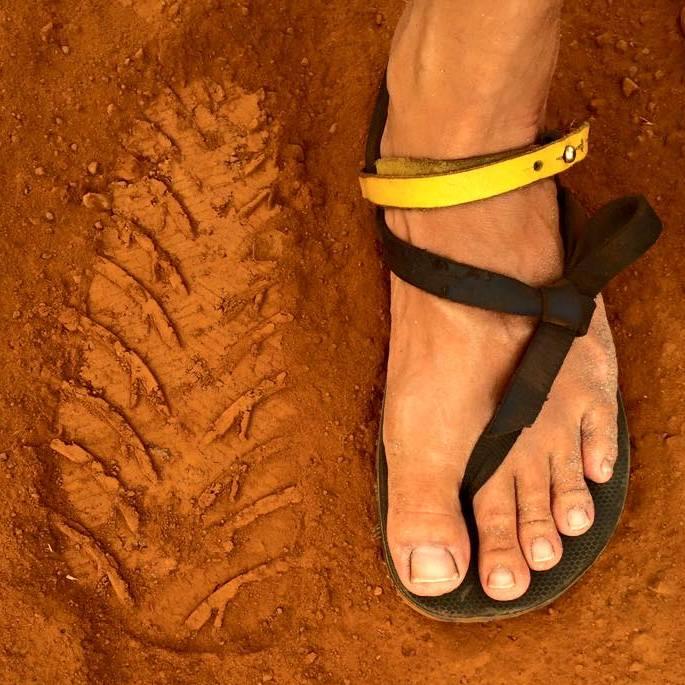bd089fdd7364 The Running Lunatic  Luna Sandals Origin Review