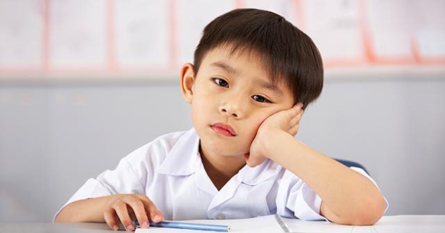 Đừng coi trọng điểm số, 10 điều bố mẹ nên nhớ để giáo dục con thành người tử tế