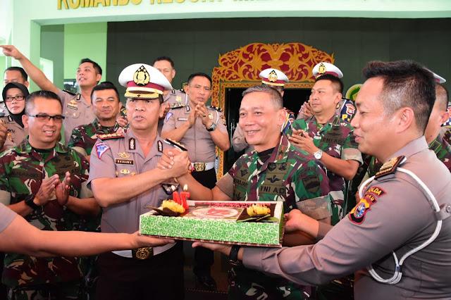 Jelang HUT TNI Ke 74, Korem 031/WB Dapat Kejutan Dari Ditlantas Polda Riau