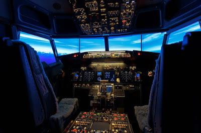 Superior Cockpit Room