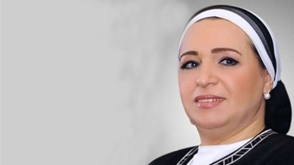 """وفاة """"أحمد عامر أمين"""" والد انتصار السيسي زوجة رئيس الجمهورية صباح اليوم .. ليلة بكت فيها إنتصار السيسي"""