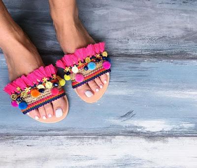 7 ideias de como customizar sua sandália slide