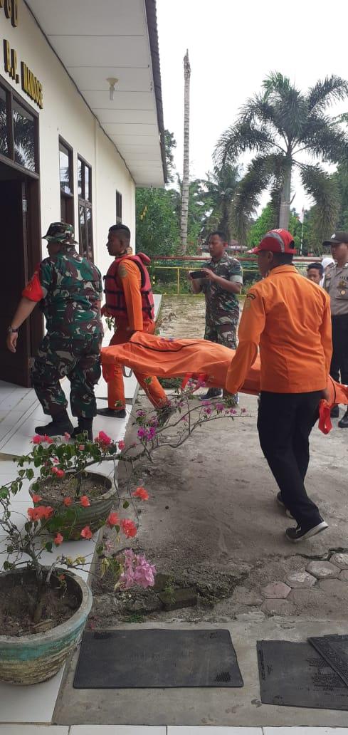 Korban hanyut Nazar Aulia Putra  ditemukan sudah tak bernyawa lagi Warga Mondoge Asahan