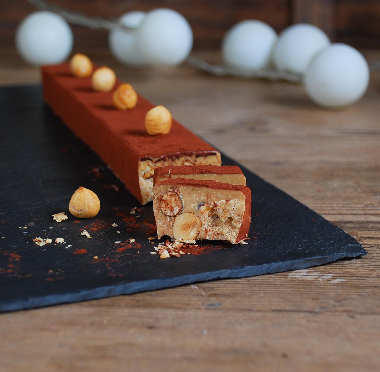 Turrón de chocolate dulcey con avellanas caramelizadas - Dulces bocados