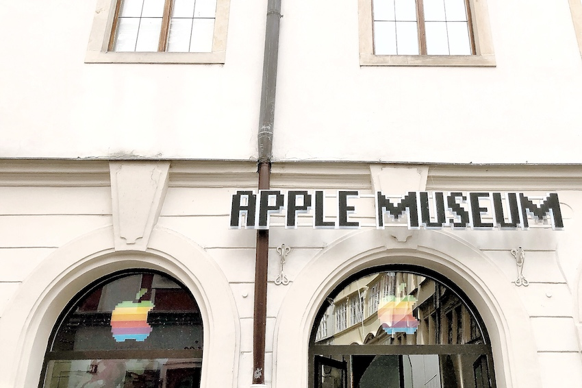 Apple Museum Prag Prague