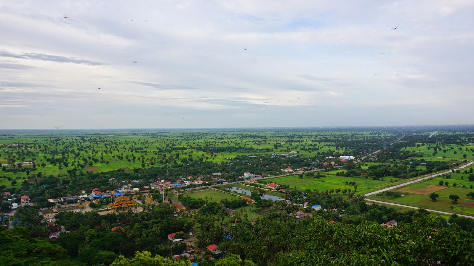 The view from the top of Phnom Sampeau