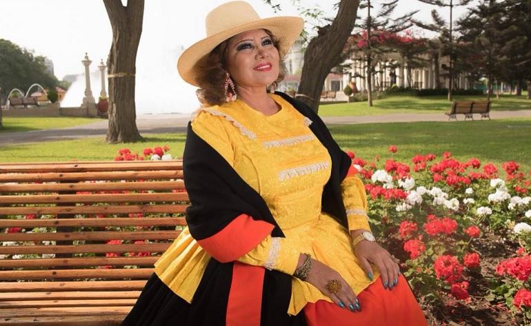 Amanda Portales presenta sus Bodas de Esmeralda En Vivo