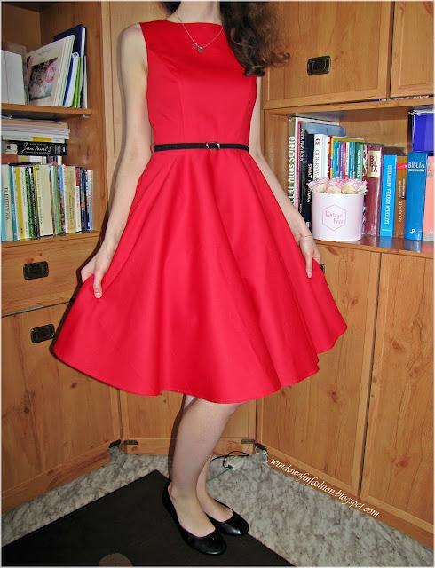 Sukienka z paskiem Grace Karin