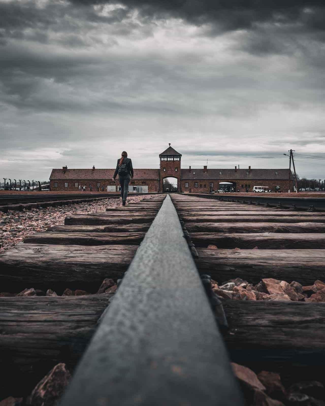 VERDUGOS DE NAZIS | SILDAVIA T01xE28 | https://www.luisbermejo.com