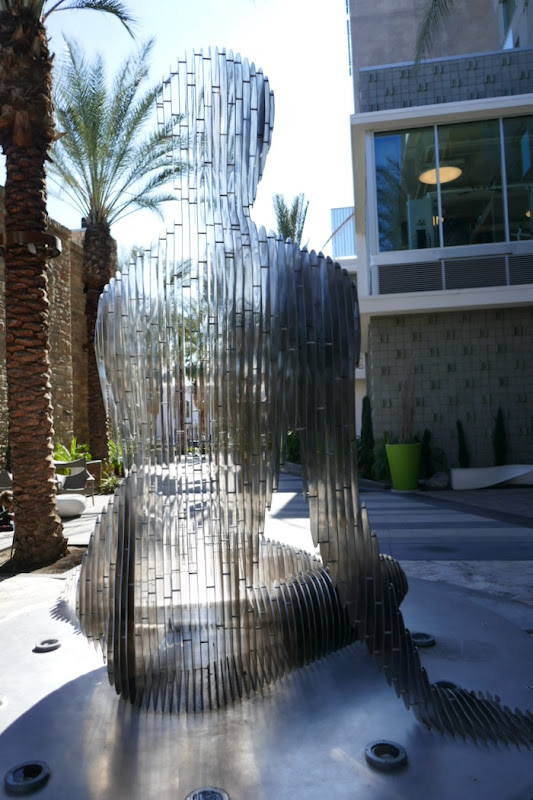 Isabelle sculpture back Palm Springs