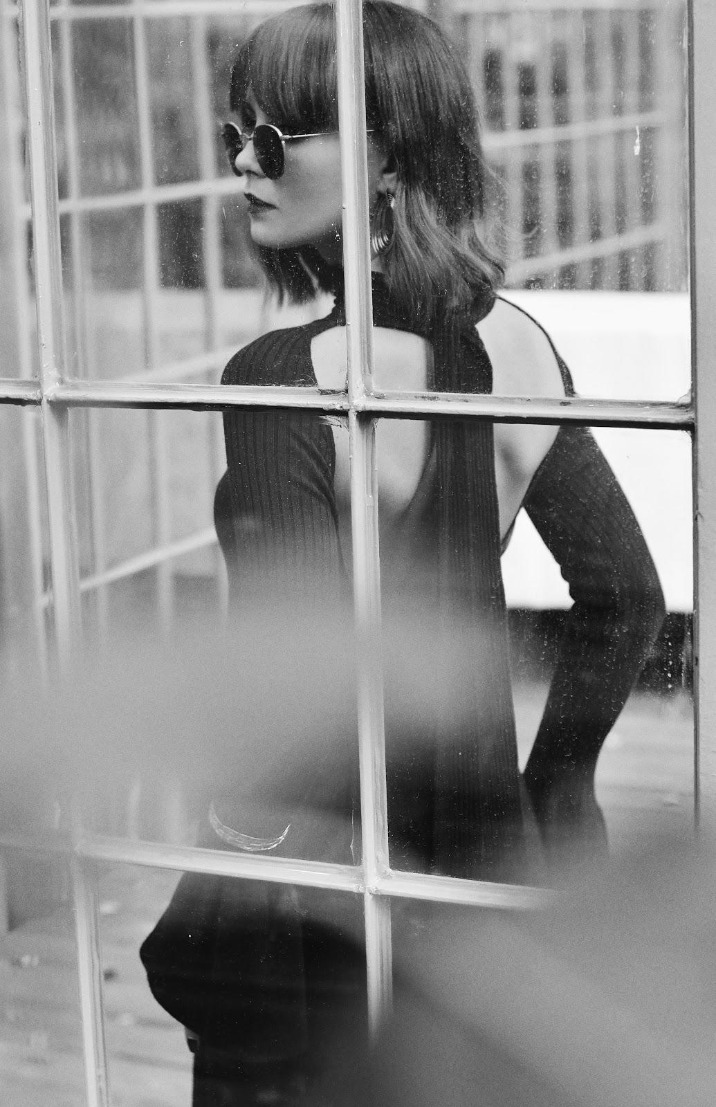 zdjecie w starym stylu | blogerka modowa | tajemnicza kobieta
