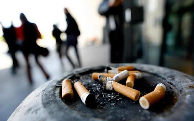 Εντυπωσιακή μείωση του καπνίσματος σε ποσοστό 52,4% καταγράφηκε στην Ελλάδα την τελευταία δεκαετία και ιδιαίτερα στους νέους καπνιστές ηλικίας 16 με 24 χρόνων, σύμφωνα με στοιχεία της ΕΛΣΤΑΤ.