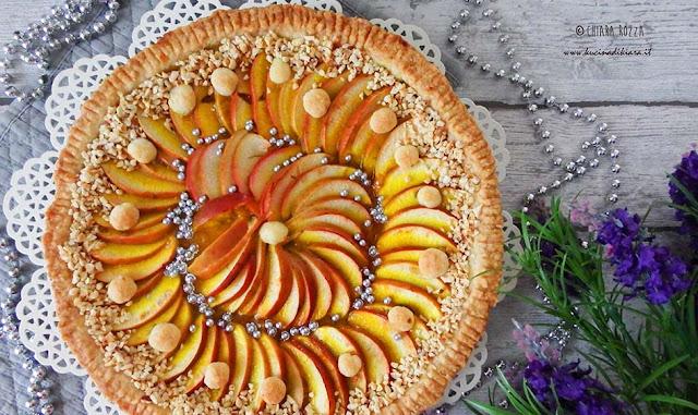 Crostata di mele con nocciole e confettura di mandarino e curcuma