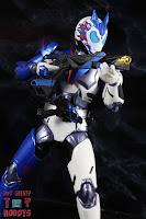 SH Figuarts Kamen Rider Vulcan Shooting Wolf 32