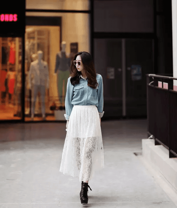 Fashion dresses for hot sunny day for girls with curved legs