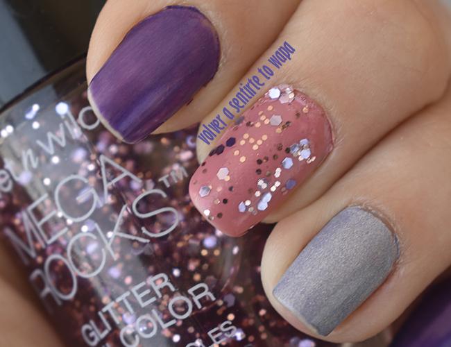 Manicura en morado, rosa y plata con glitter
