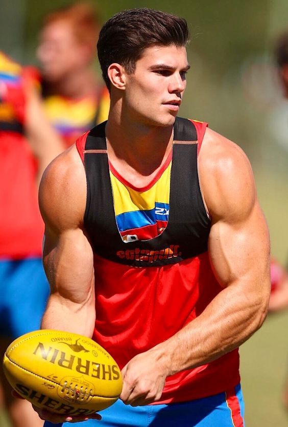sexy-rugby-player-strong-arms-muscle-biceps