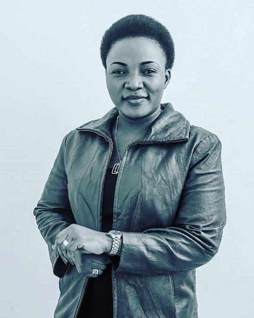 Martha Mwaipaja - Sipiganagi Mwenyewe