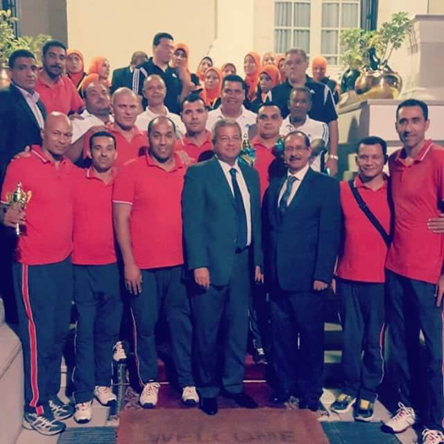 رئيس الوزراء يوافق على زيادة مكافاة تكريم أبطال البرونزيه بريو الطائرة جلوس