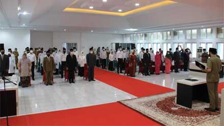 Walikota Padang Panjang Lantik 48 Pejabat Baru