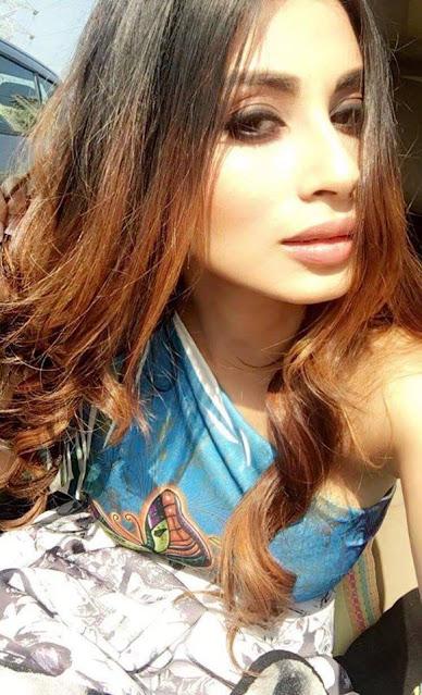 Mouni Roy Bollywood Hottie Latest Stunning Pics Actress Trend
