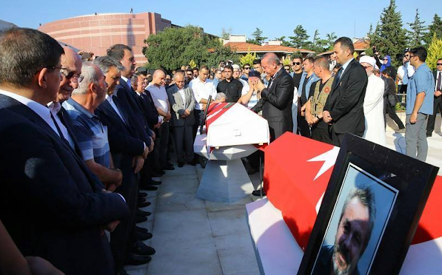 Erdogan Mengatakan Kepada Rakyatnya Agar Tetap Waspada