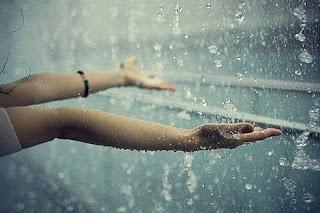 Kata Kata Mutiara Galau saat Hujan Turun