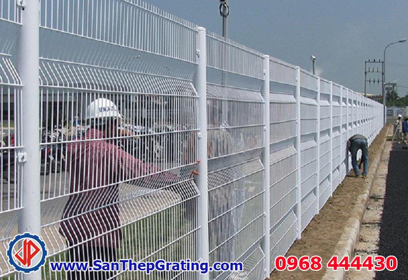 Hàng rào lưới thép sơn tĩnh điện rất bền và đẹp