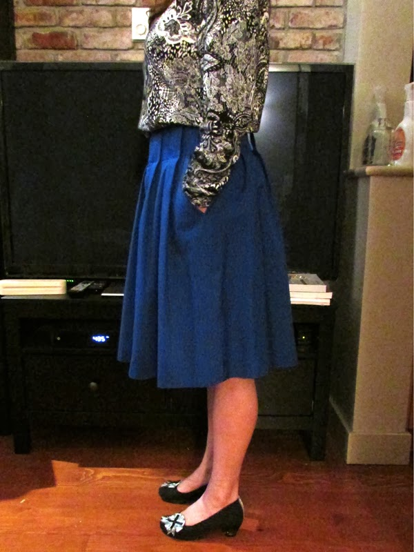 Stepalica Patterns: Zlata skirt - testing the pattern, Holly