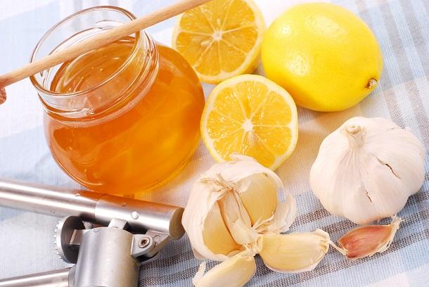 العسل والثوم: فوائد صحية لا تخطر على بالك يجب أن تعرفها