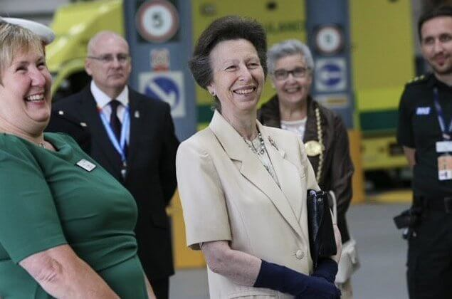 NHS (National Health Service) Blood and Transplant Centre. The Princess visited the North East Ambulance Service in Hebburn