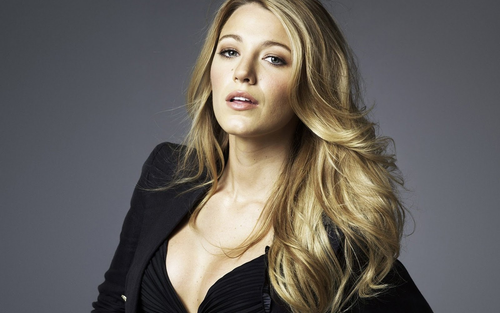 Blake Lively High Resolution wallpapers - HIGH RESOLUTION PICTURES