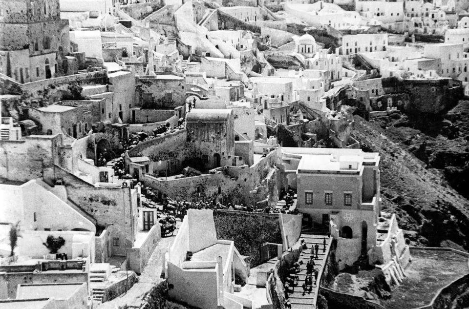 Old photos of Santorini (Path 1)   149294 636844959666166 1517750520 n