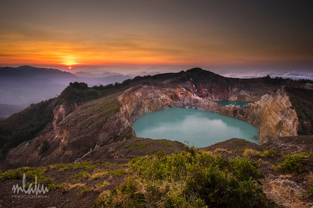 Sunrise dari puncak Kelimutu