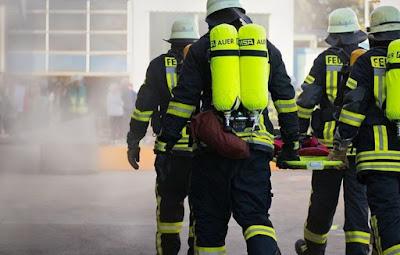 النمسا,إصابة,4,أشخاص,بعد,سقوط,مباغث,لبالاكونه