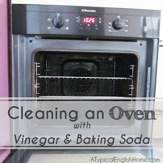 how to clean your oven with white vinegar