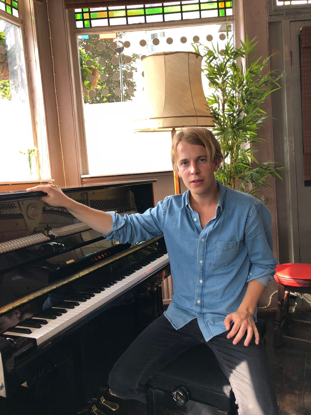 Tom Odell performs quotIf You Wanna Love Somebodyquot live at